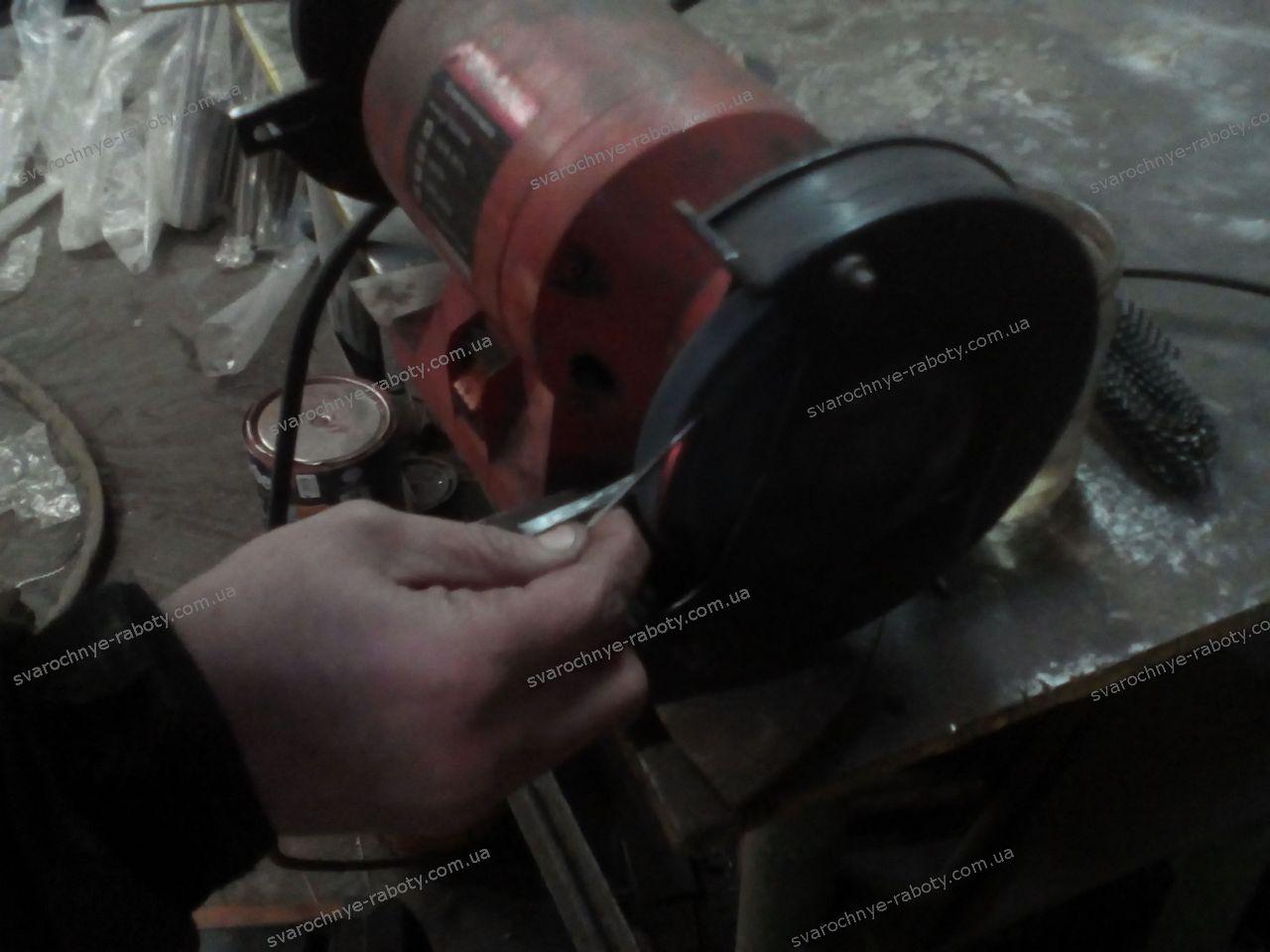 Сварочные работы - точим вольфрамовый электрод