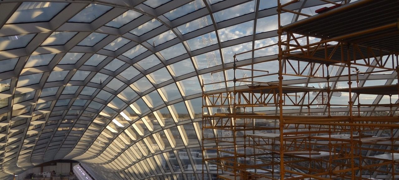 Сетчатая алюминивая конструкция крыши